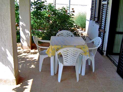 Apartments Ivan - 71521-A1 - Image 1 - Banjole - rentals