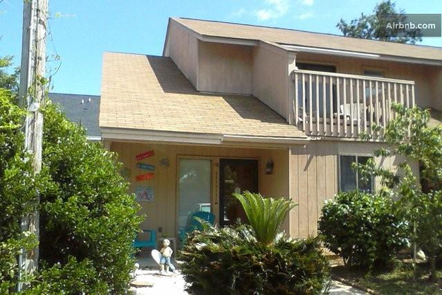 Welcome to Grampa Jacks's Beach House!! - Pet-Friendly, Walk to beach !! Hot tub !! - Myrtle Beach - rentals