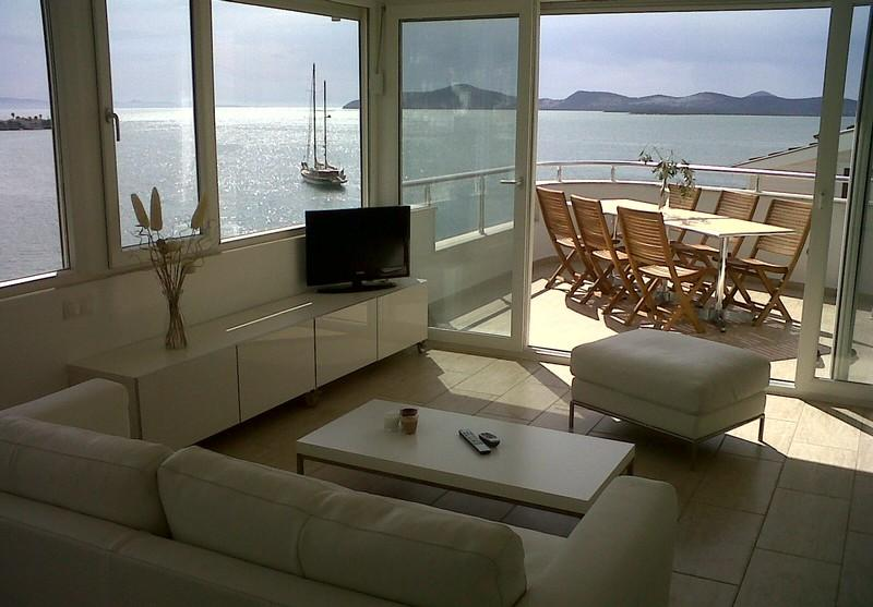 Exclusive penthouse(s) directly at sea and near Bodrum! - Image 1 - Gulluk - rentals