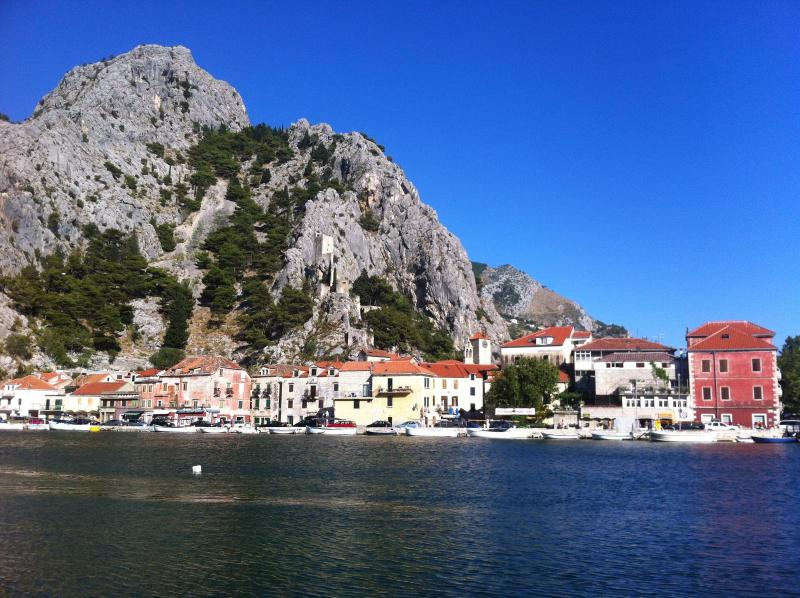 Yellow House on the river  is our Croatian beach house - Croatian Beach House - Split/Dubrovnik - Omis - rentals