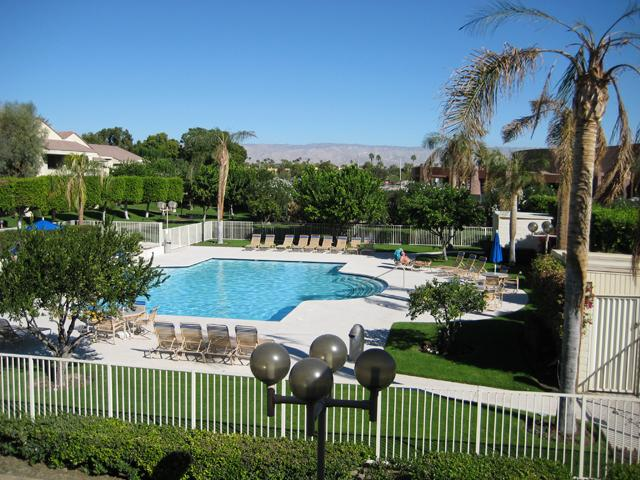 Main Pool with Gorgeous Views - WALK EVERYWHERE DOWNTOWN MODERN PALM SPRINGS PLAZA VILLAS POOL TENNIS CASINO - Palm Springs - rentals