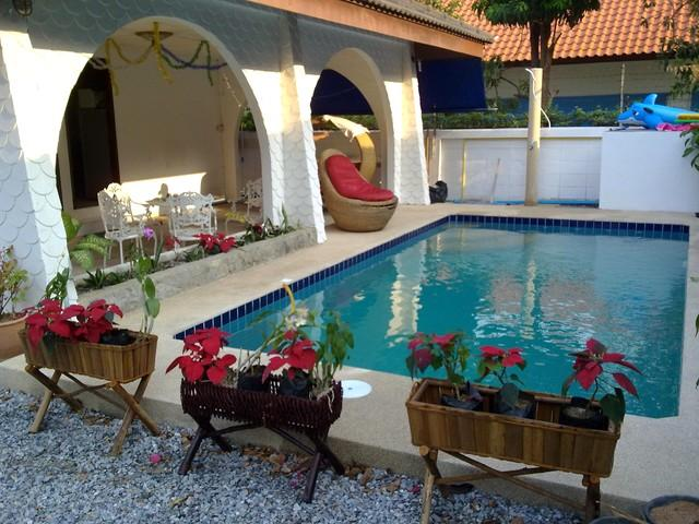 GRAND CONDOTEL VILLA ROSE WITH PRIVATE POOL - Image 1 - Pattaya - rentals