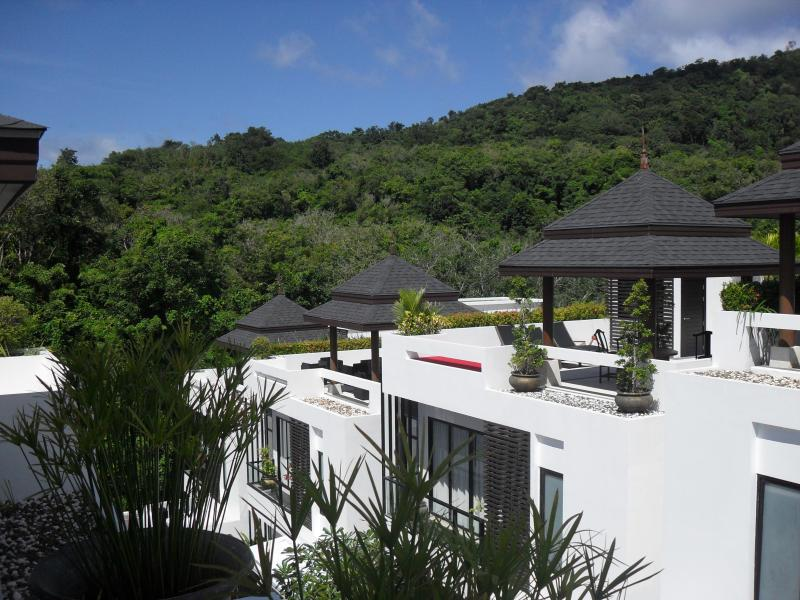 Mountain Views from the rooftop terrace nice in the evening with a cool beer - Asian Style Luxury Villa - Phuket - rentals