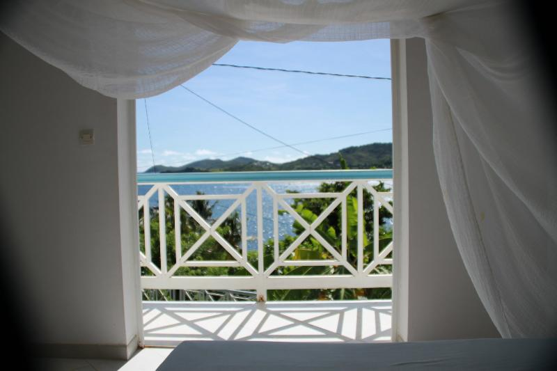 all the rooms have a seaview - Charming Villa 100 feet from the sea - La Trinite - rentals