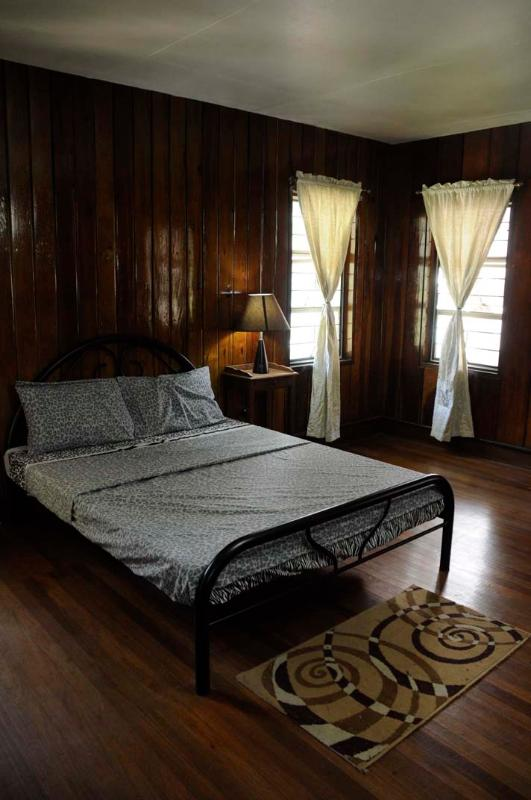 Rizal Room - 1896 Bed and Breakfast BAGUIO CITY – Rizal Room - Baguio - rentals
