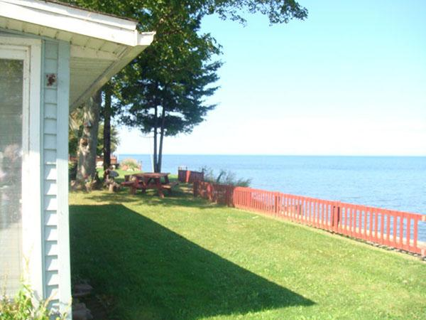 Outside of cottage with view of lake - Lake Ontario Cottage-60 mins Niagara Falls     #BL - Lyndonville - rentals