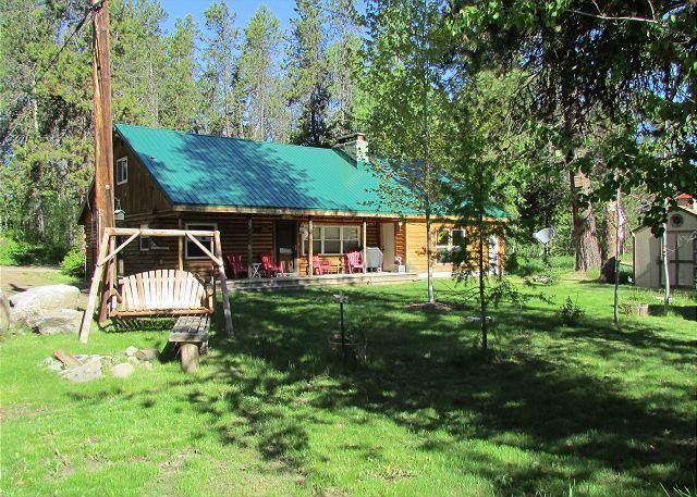 Great Family Cabin with Lakeview and Access to Beach! - Image 1 - McCall - rentals