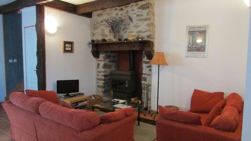 Beautiful  cottage in village near Dinan (B019) - Image 1 - La Vicomte-sur-Rance - rentals