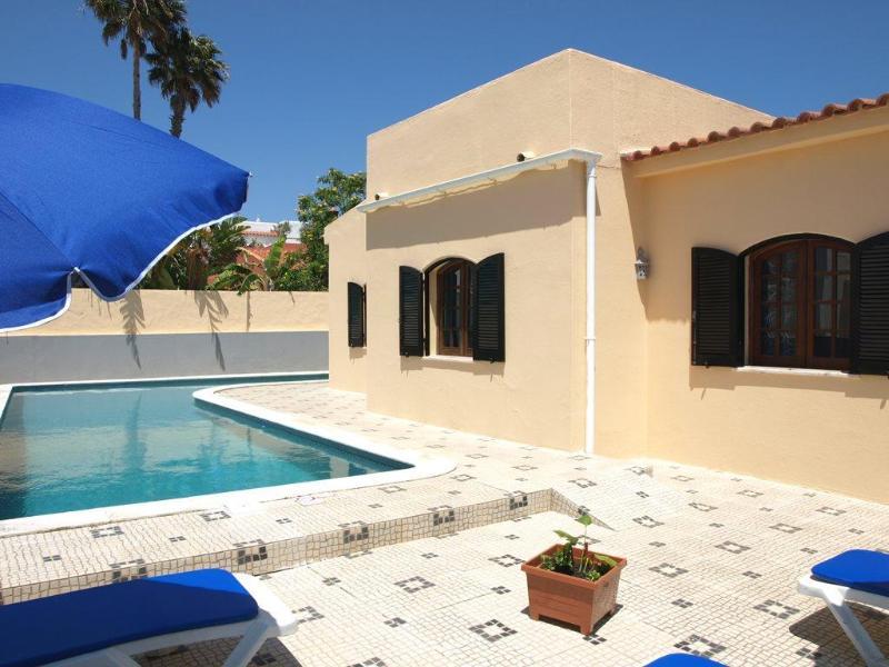 Single storey villa, sea views and privacy - Lovely villa /pool & sea views-Carvoeiro - Carvoeiro - rentals