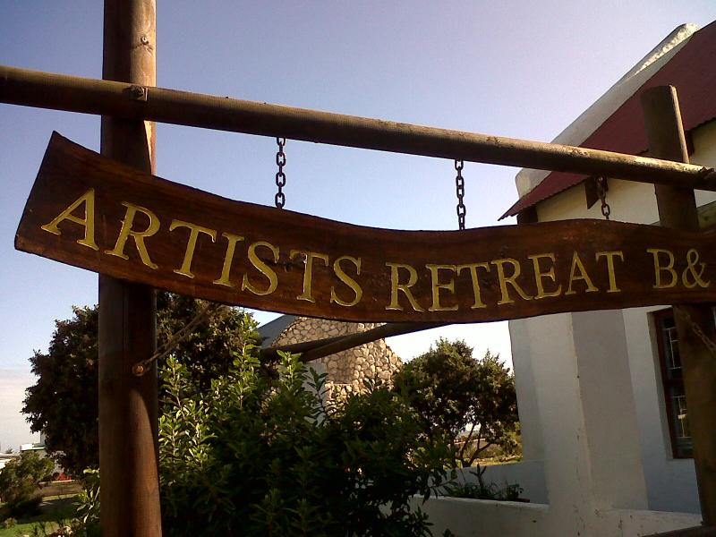 Front entrance and name board - Artist's Retreat B&B / Gallery - Jacobs Bay - rentals