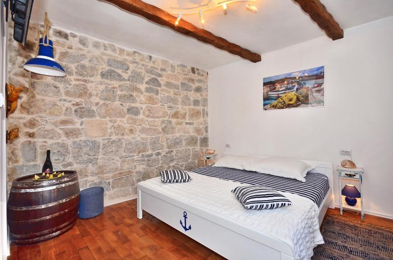 AUTHENTIC apartment in STONE VILLA in OLD TOWN (2) - Image 1 - Split - rentals