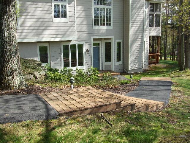 Exterior Entry Path View - Woodloch Springs Resort Townhome on Golf Course - Hawley - rentals