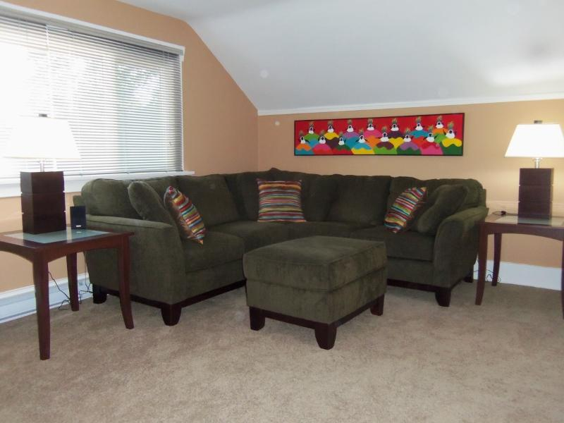 Sectional sofa adorned by original Bahia art work - Classic Arts and Crafts 30's Mansion Goes Modern - Victoria - rentals