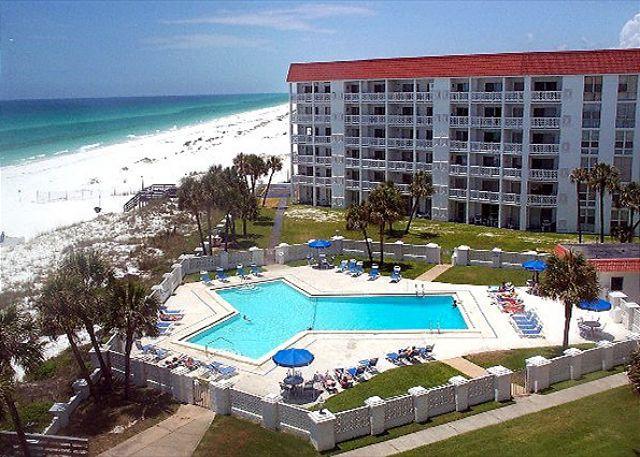 Direct Gulf Front Views. Free Beach Service!!!!! - Image 1 - Florida Panhandle - rentals