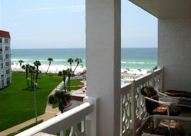Early morning surf check from the balcony. - Gorgeous Upgrades and Overlooking the pool!!!! - Fort Walton Beach - rentals