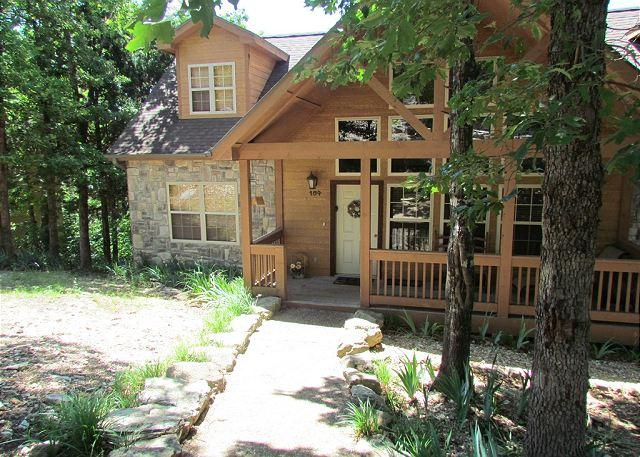 Twin Pines Lodge - Twin Pines- 4 Bedroom, 4 Bath Stonebridge Resort Cabin Sleeps 10 Guests - Branson West - rentals
