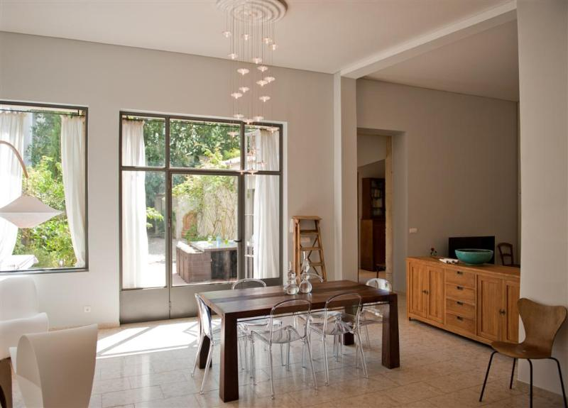 General view of the loft with view on terrass - Luxury Loft With Garden Comedie Square  Montpellier - Montpellier - rentals
