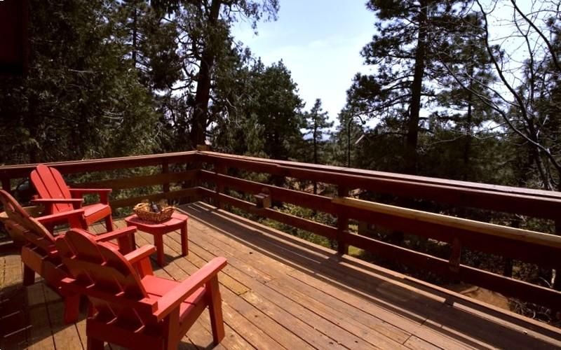 Relax on the deck in the trees - Relax at Patti's Treehouse in the Pines of Idyllwild - Idyllwild - rentals