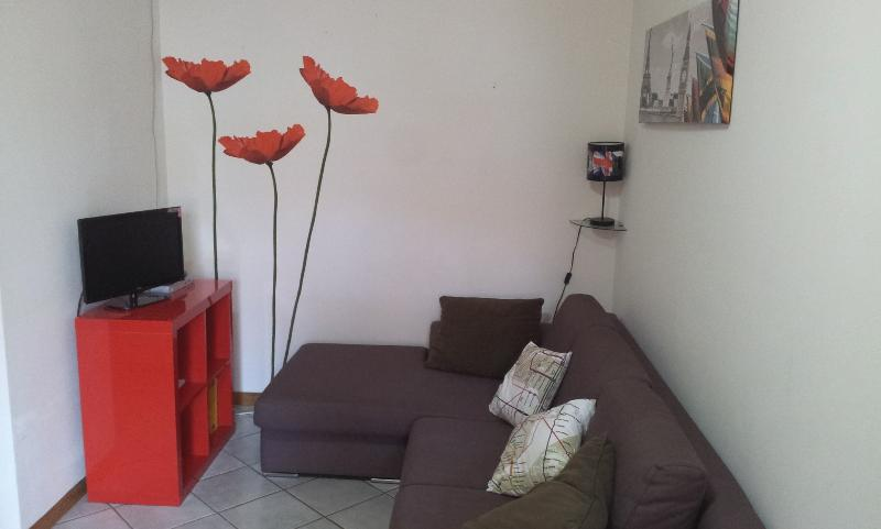Sofa and bad - PULA - SARDINIA APARTMENT WITH GARDEN - Pula - rentals