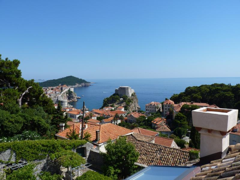 Old Town and sea view - Villa Anica-Cosy bedroom near Dubrovnik Old Town - Dubrovnik - rentals