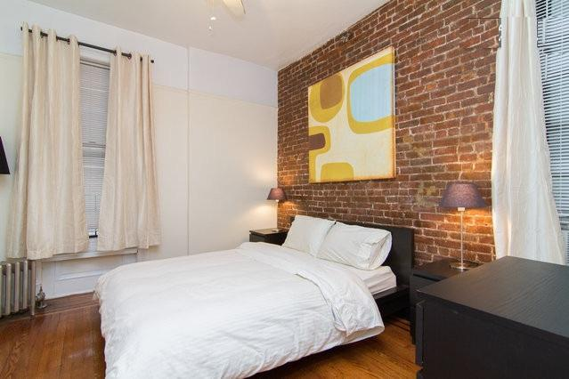 Prime East Village* USQ *New charming 2BR~Sleeps 5 - Image 1 - New York City - rentals