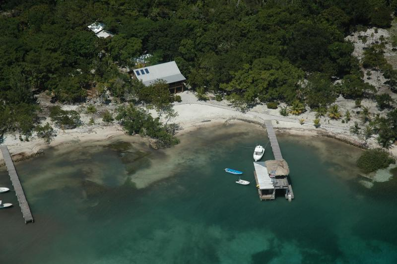 Seaside luxury at Casa de Playa - Casa de Playa - Ask us about special packages! - Utila - rentals