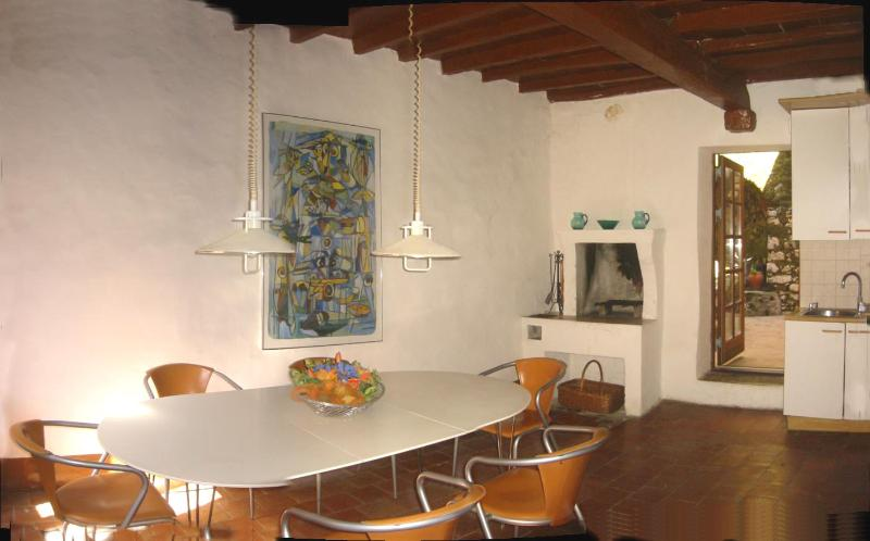 Dining room in Filippo with stylish kitchen with dishwasher - Garibaldi -Wonderful house a Cori -near Rome/beach - Cori - rentals