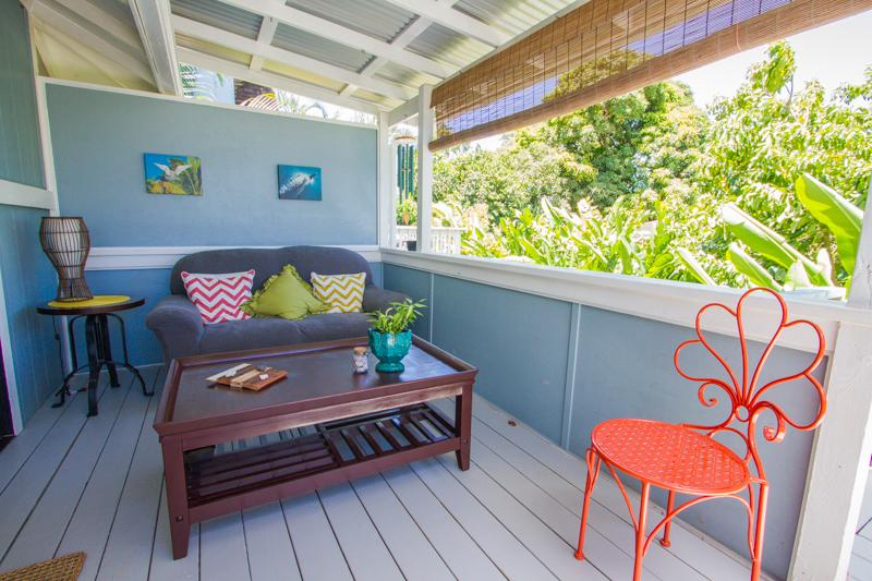 Spacious and chic covered lanai. The perfect relaxing spot! - Little Studio by the Sea - Haleiwa - rentals