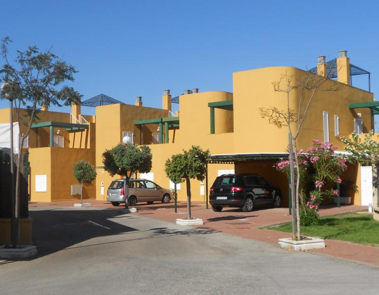 House close to the beach/ Adosado en Costa Ballena - Image 1 - Rota - rentals