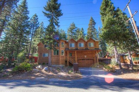 Awesome 6 Bedroom South Lake Tahoe Home ~ RA693 - Image 1 - South Lake Tahoe - rentals