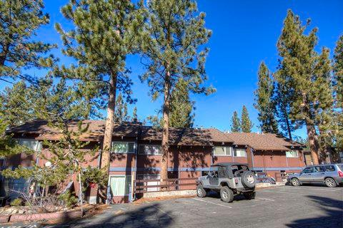 Cozy Condo Close to Heavenly Slopes ~ RA725 - Image 1 - South Lake Tahoe - rentals