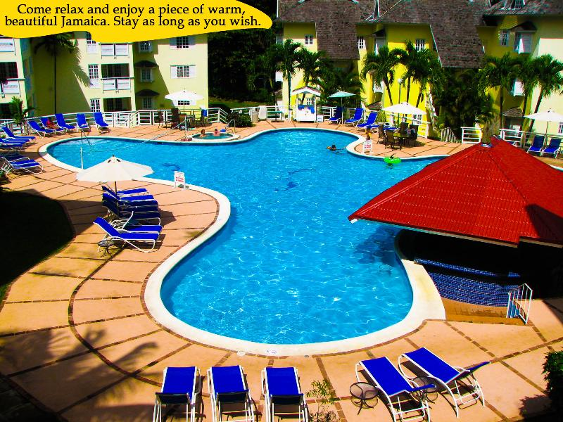Relax by our pool - Great Escape,  Mystic Ridge, Ocho Rios, Jamaica - Ocho Rios - rentals