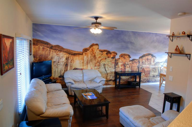 Living Room with Beautiful Mural of Local Landscape - Kanab Townhome by Zion, Bryce, and Grand Canyon - Kanab - rentals