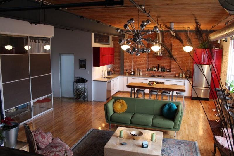 View from upper level to bedroom, living room and Kitchen - Open Concept Loft In The Heart Of The City - Toronto - rentals