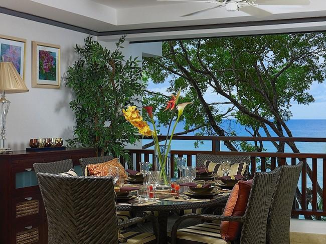 Coral Cove 12 at Payne's Bay, Barbados - Beachfront, Jacuzzi Pool, Walk To Restaurants, Shopping And Beach Bars - Image 1 - Paynes Bay - rentals
