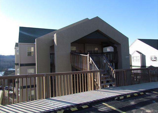 Lakeside Laziness - Lakeside Laziness- 2 Bedroom, 2 Bath, Pet Friendly Condo near SDC - Branson - rentals
