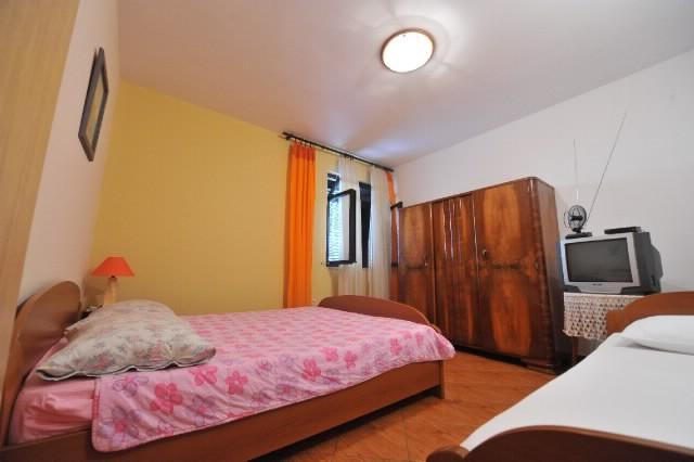 Apartments Nastjenka - 42381-A6 - Image 1 - Omis - rentals