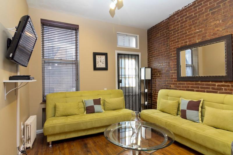 Living Room with sleep sofas - Sleeps 6! 2 Bed/2 Bath Apartment, Times Square, Awesome! (7937) - New York City - rentals
