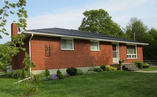 Black River Bungalow front of home - Black River Bungalow - Ontario - rentals