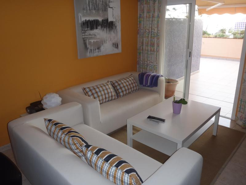 Living room with access to the terrace - Apartment in the south of Fuerteventura, in Morro Jable, to 200 m. from the beach - Morro del Jable - rentals