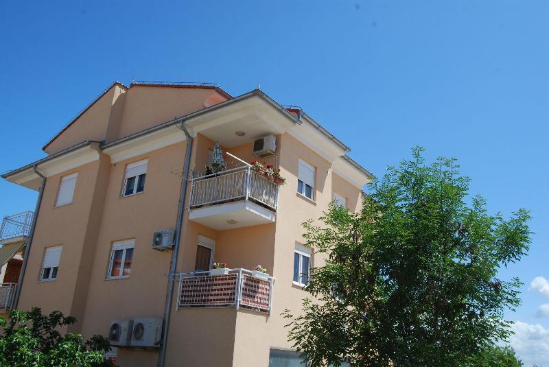Apartment Bordeaux - Image 1 - Rovinj - rentals