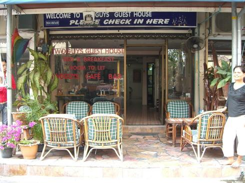 Terrace - TwoGuys Gay Guesthouse - Pattaya - rentals