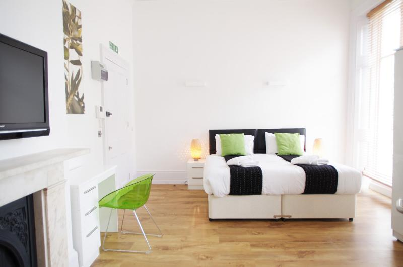 Modern Bloomsbury Studio in London - Image 1 - London - rentals