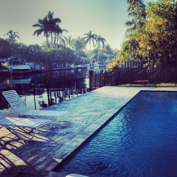 Waterfront, walk to beach,luxury, guest house,pool - Image 1 - Fort Lauderdale - rentals