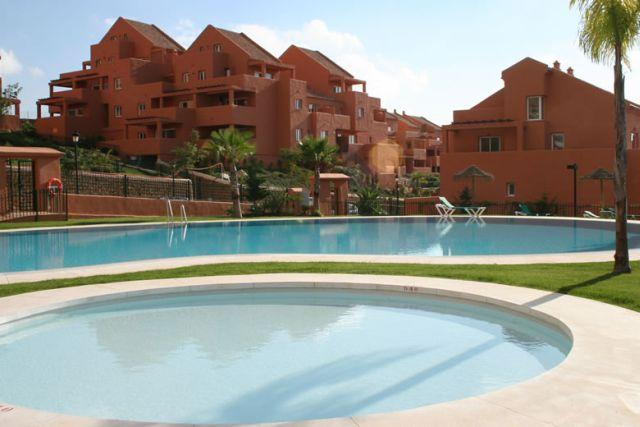 View on our apartment from the pool area - Spacious 1 bedroom apt. with breathtaking seaview - Elviria - rentals