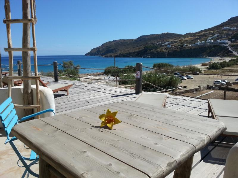 PRIVATE VERANDA OF A STUDIO WITH SEA VIEW AT KALO LIVADI BAY - Studio For 4 Guests By The Beach With Sea View - Mykonos - rentals