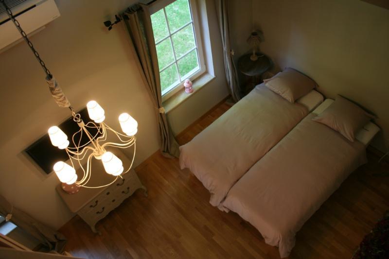 Bedroom - B&B Là Ô sur la Colline - Suite Pomme-de-Pin - 4 Epis - Gistoux - rentals
