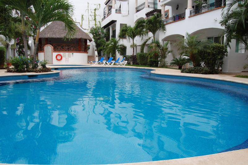 Economic and pretty  nice  condo in town Gaviotas ! - Image 1 - Playa del Carmen - rentals