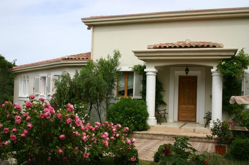 Front of the house - Villa Verona sleeps 8 with 4 bedrooms two Bathroom - Vidauban - rentals