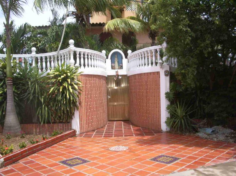 Entrada Principal - Cute And Comfortable Apartments Equipped For Holidays In Margarita Island - Venezuela - rentals